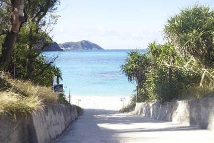 沖縄の海水浴シーズンはいつまで?