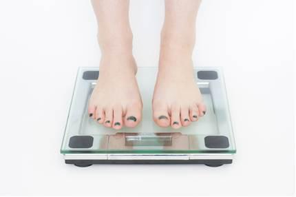 本当に怖い拒食症!原因や症状と改善の方法は?