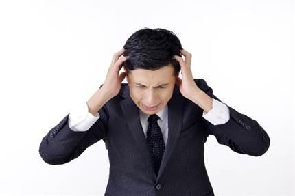 お酒が苦手!二日酔いの頭痛が治らない!すぐに治す3つの方法!
