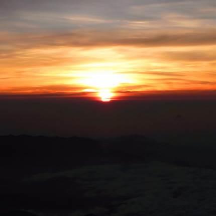 人生観が絶対変わる!富士山のご来光!時間や登山のポイントは?