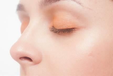 歳をとると目やにが増える原因とは?!高齢者の目のケア方法!