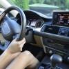ドライブ好きの一番の悩み!車シートの腰痛対策とは?
