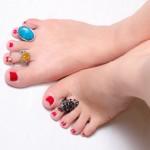 最近流行?足指に付けるトゥリング、実は凄い深すぎる意味がある!?